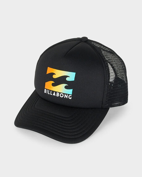 PODIUM TRUCKER CAP