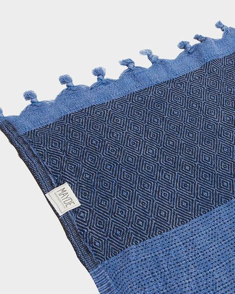 TRECHERY TOWEL