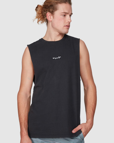 CLASP MUSCLE TEE