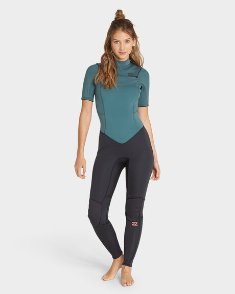 SYNERGY CHEST ZIP SHORT SLEEVE SUIT