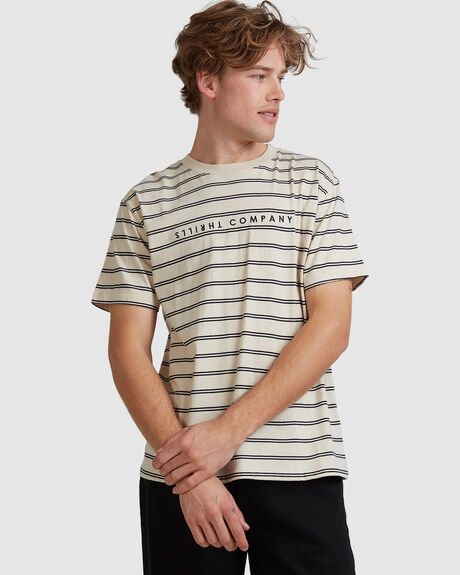 MENS DOUBLE STRIPE MERCH FIT TEE