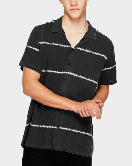 NOISE SHORT SLEEVE SHIRT