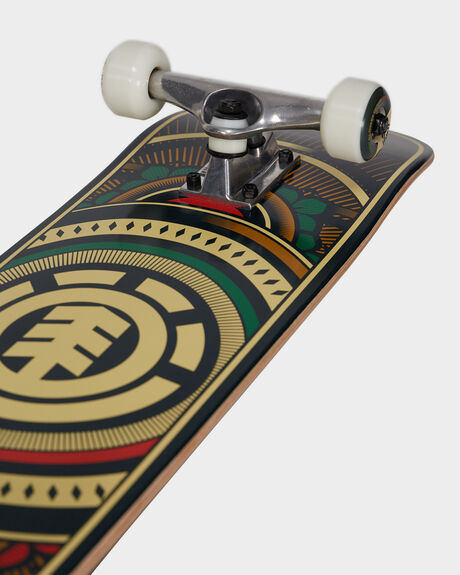 HATCHED RED GREEN 8COMPLETE SKATEBOARD