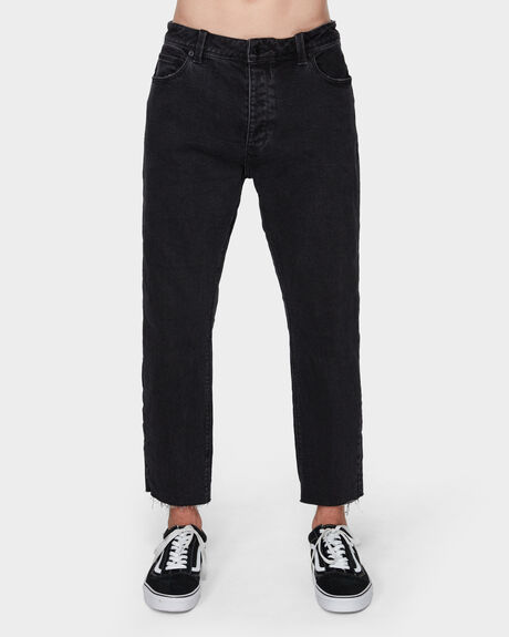 A CROPPED SLIM GARAGE BLACK JEAN