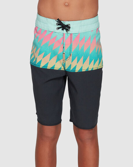 BOYS FIFTY 50 PRO BOARDSHORTS