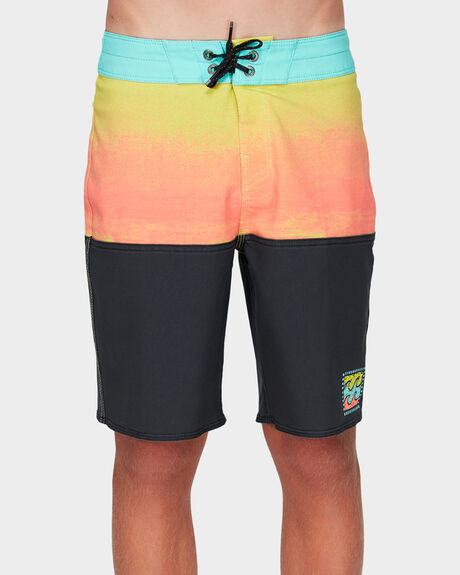 BOYS FIFTY50 PRO BOARDSHORTS