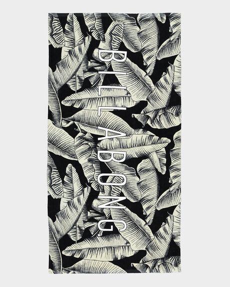 HAWAIIAN PALMS TOWEL