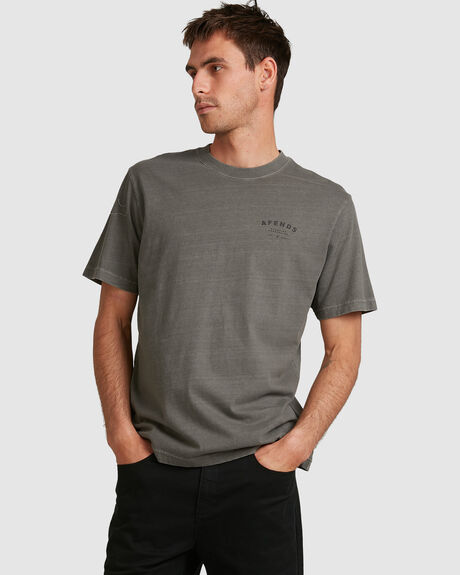 MENS STILL HERE RETRO FIT TEE