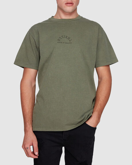 COURIER MERCH FIT TEE