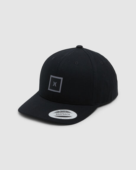 STORM ICON CURVED HAT BLACK