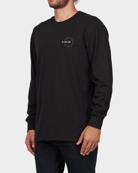 ADIV DIVIDED LS TEE