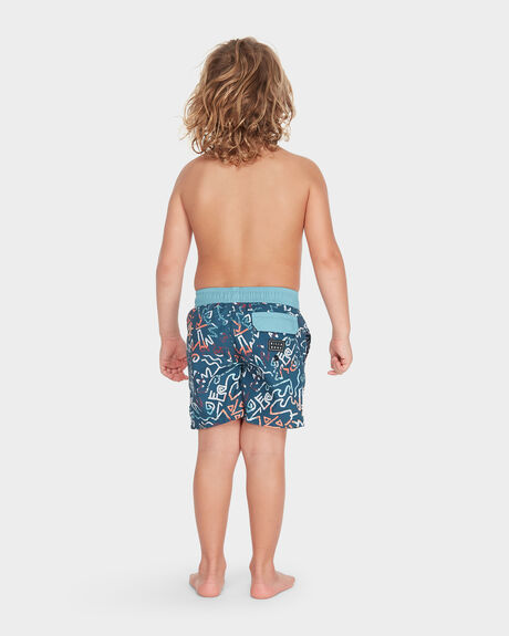 YOUTH ISLAND LAYBACK BOARDSHORT