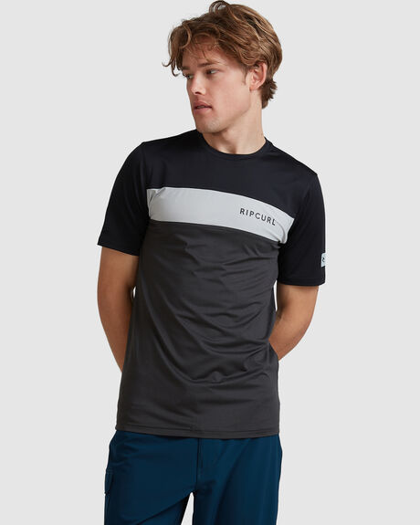 MENS UNDERLINE PANEL UV TEE