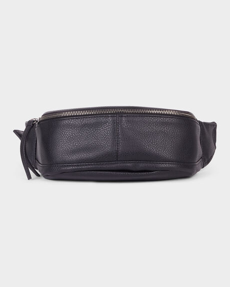 CROSSOVER BELT BAG