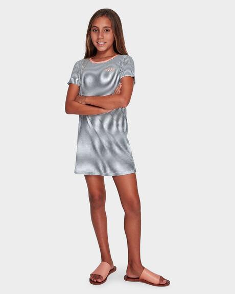 COLOR SKY A SHORT SLEEVED T SHIRT DRESS