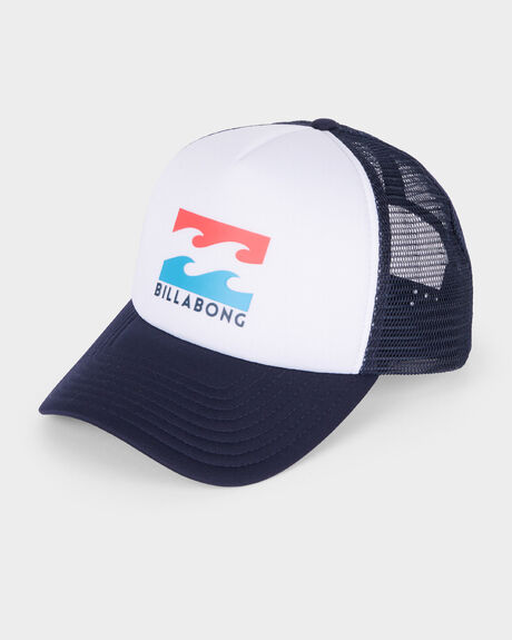 BOYS PODIUM TRUCKER CAP
