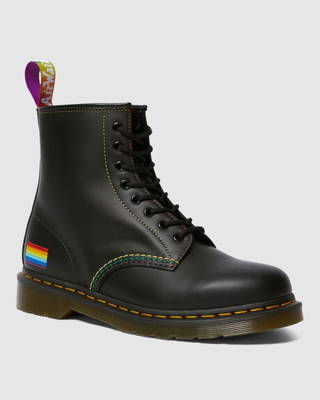 1460 PRIDE 8 EYE BOOT BLACK