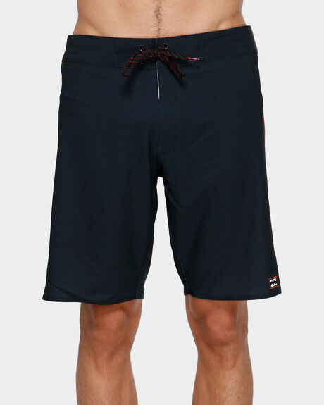 "DBAH ANDY IRONS PRO 19"" BOARDSHORT"
