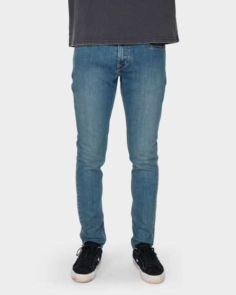 2X4 TAPERED DENIM JEAN