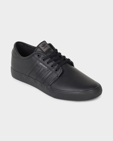 ADIDAS SEELEY CORE BLACK/BLACK SHOE