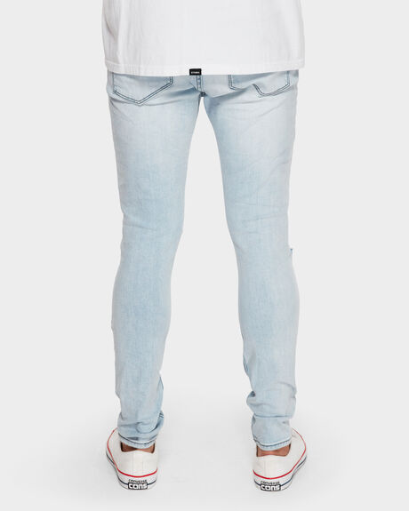 A DROPPED SKINNY JEAN