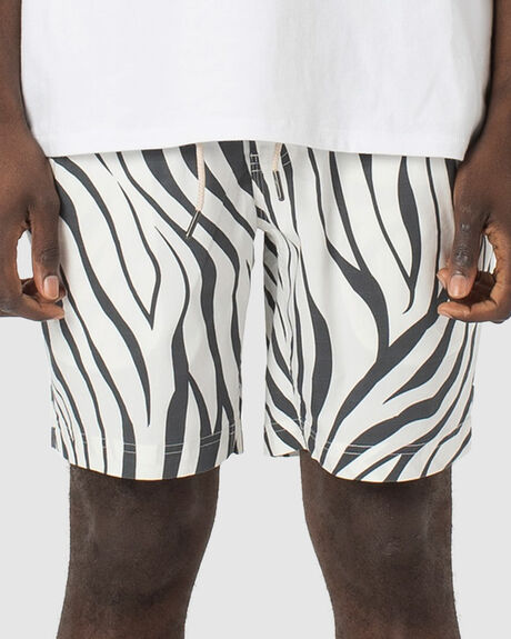 "MEN'S AMPHIBIOUS 17"" SHORT"