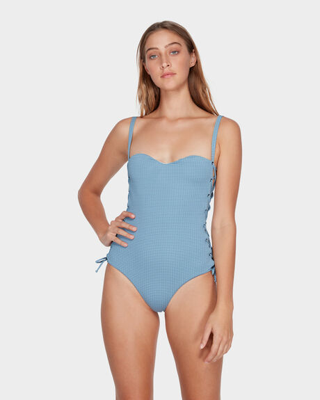 BEAU ONE PIECE
