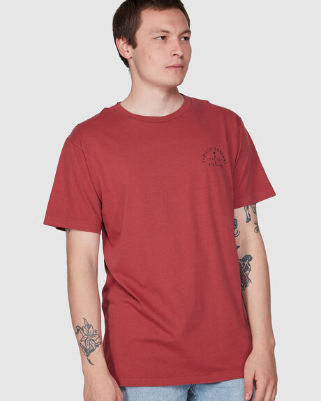 DOGTAG MERCH FIT TEE - FADED RED