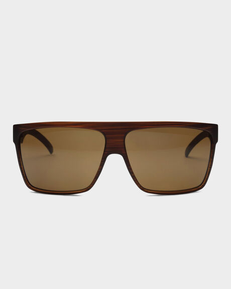 YOUNG BLOOD FEATURES SUNGLASSES