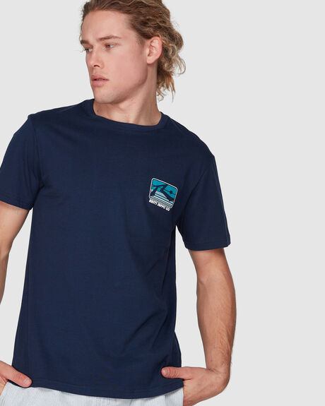 COCKTAILS AT 7 SHORT SLEEVE TEE