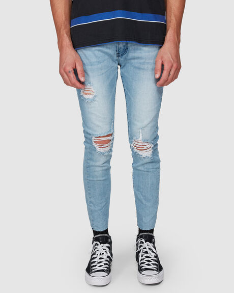 THE TAPERED SLIM JEAN