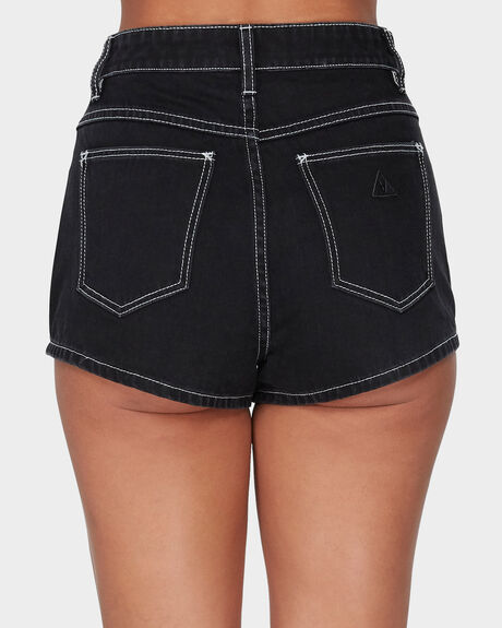 A HIGH RELAXED SHORT - GET IT ON